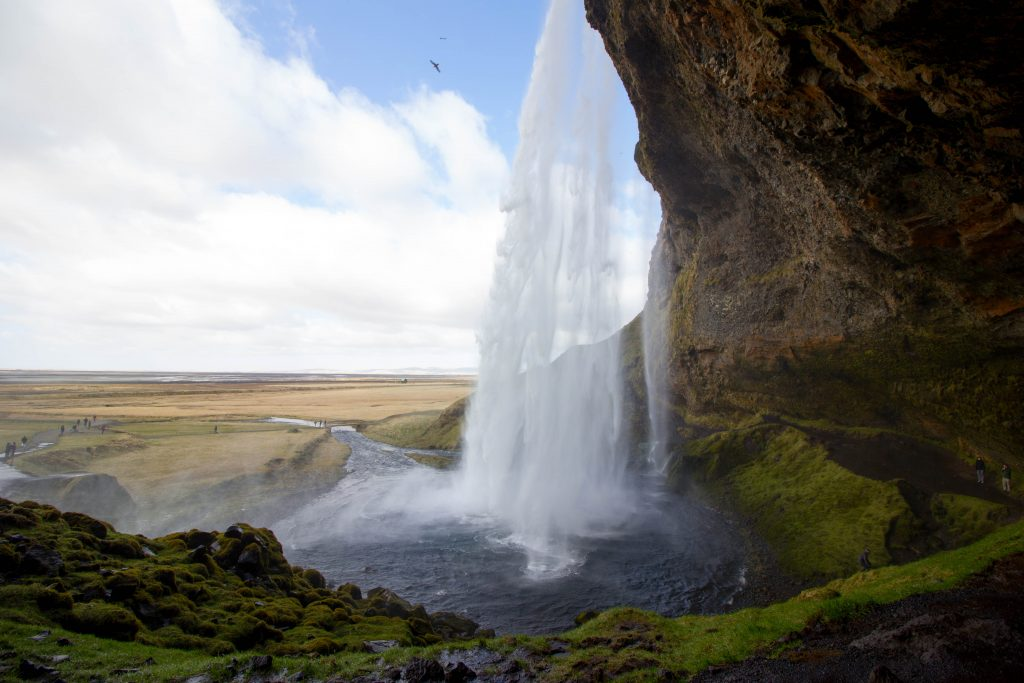 little-wanderings-seljalandsfoss-iceland-1